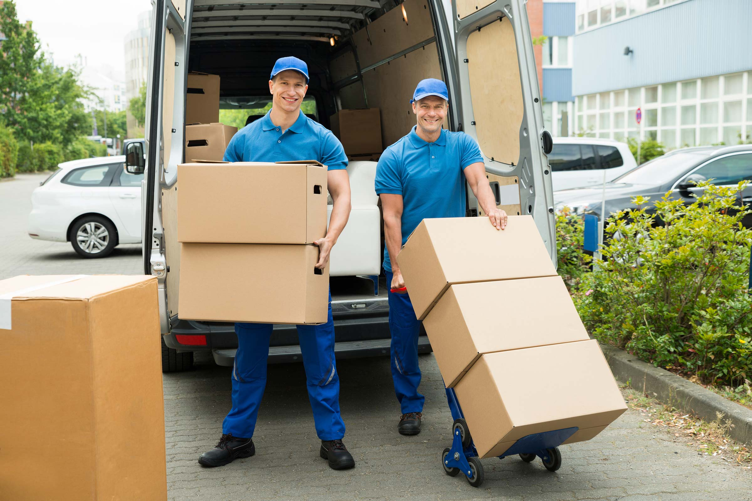 10 Tips to Help You Choose Between Moving Companies