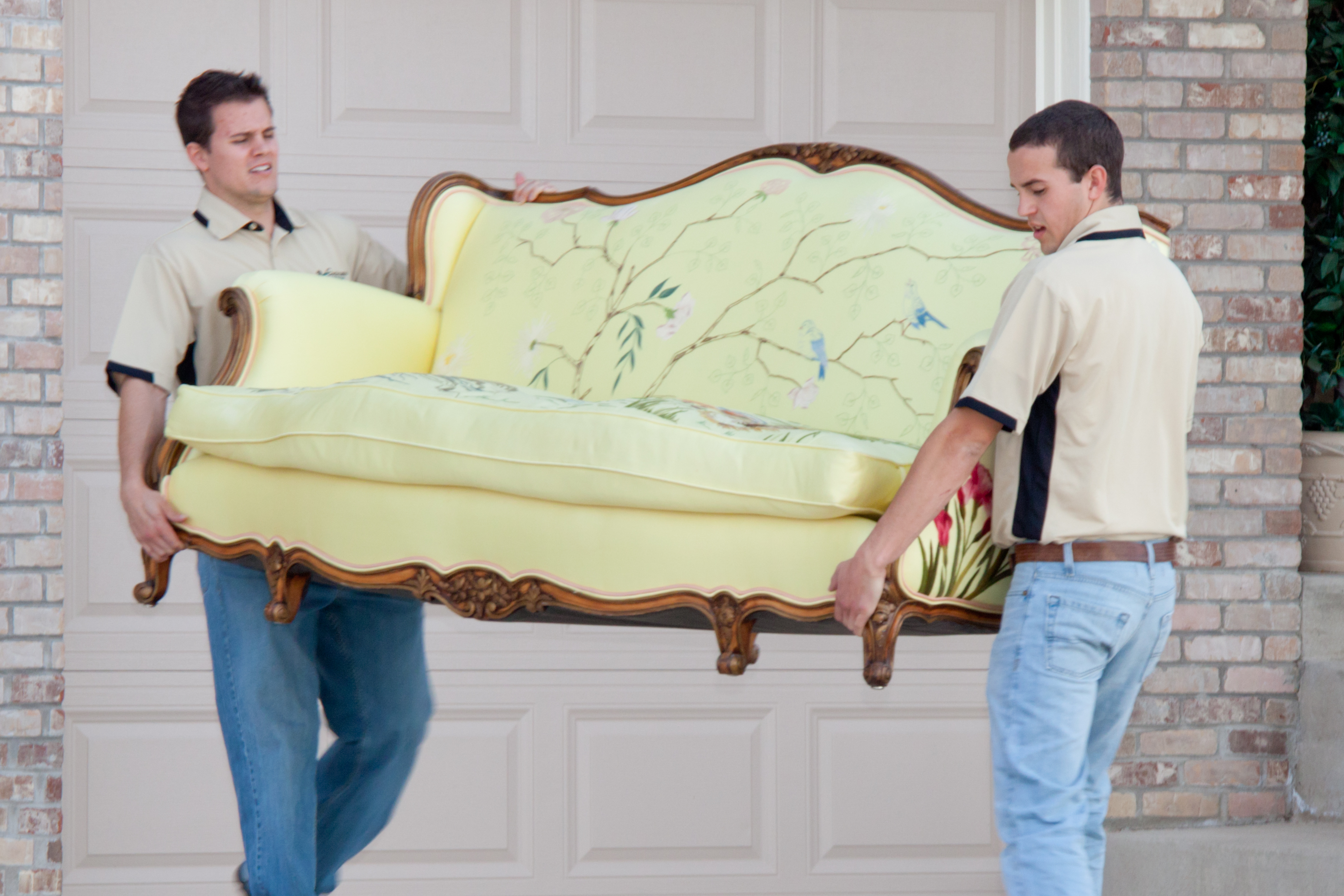 Lighten The Burden Of Relocating By Using Professional Moving Services